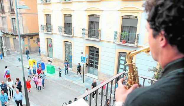 Música desde el balcón